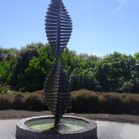 botanic gardens turn sculpture